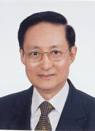 Dr Chen Christopher specialises in Obstetrics & Gynaecology and is