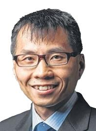 Dr Lim Yi-Jia specialises in Orthopaedic Surgery and is
